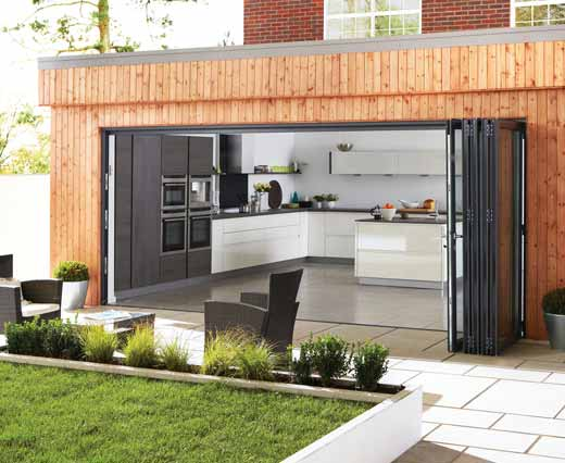 Large bi-folding doors in aluminium