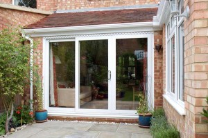 Sliding door in white uPVC
